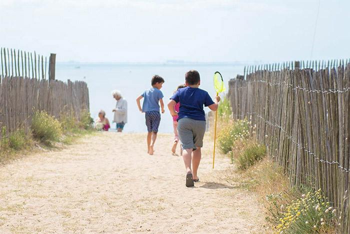 l'accès direct à la plage du camping en Vendée