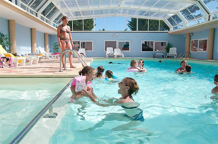 la piscine du camping avec animaux acceptés à la Tranche sur mer