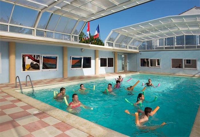 camping à La Tranche sur Mer avec piscine couverte